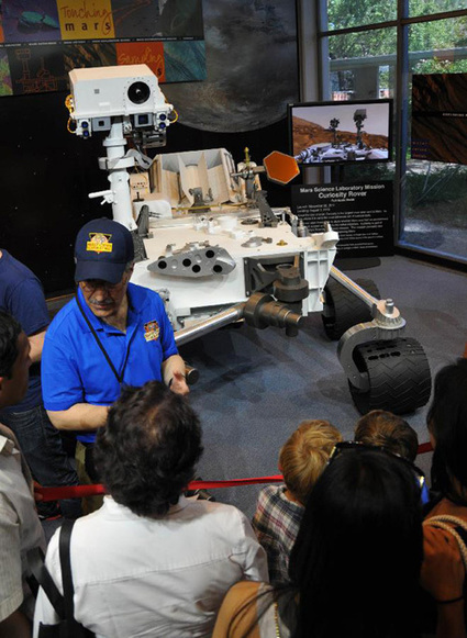 US Mars rover Curiosity touches down in Red Planet - Xinhua | Govt News | Scoop.it