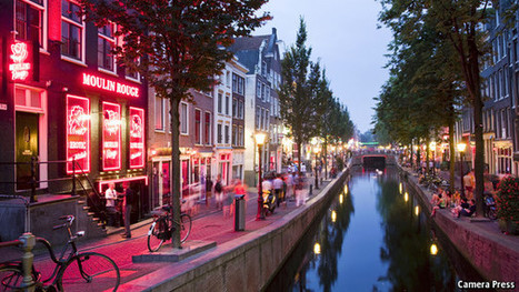 The making of Amsterdam - The Economist | Traveling + Education | Scoop.it