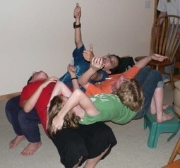Human Sculptures Game - Group games, team games, ice breakers | Serious Play | Scoop.it