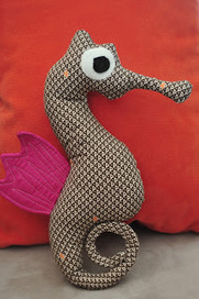lia's crafty journey: tutorial: the making of mr. seahorse | Easy Sewing Projects for Kids | Scoop.it