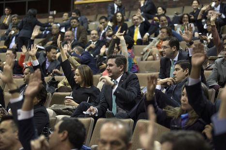 Mexico Congress Approves Oil Bill Ending 75-Year Monopoly | EconMatters | Scoop.it