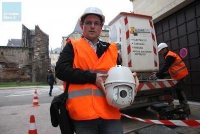 Le Mans. La première caméra de vidéosurveillance est posée dans le centre-ville - Le Mans.maville.com | Electro access | Scoop.it