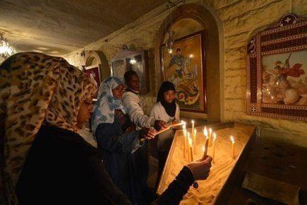 Pour les Coptes d'Egypte, un premier Noël sous pouvoir islamiste | Égypt-actus | Scoop.it