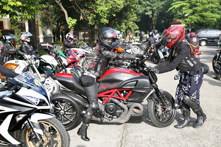 Women on Wheels Indonesia ready to roll | Ductalk Ducati News | Scoop.it