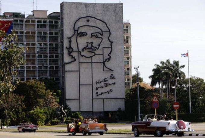 Pope Francis Will Celebrate Mass Next To Che Guevara Portrait - Huffington Post | real utopias | Scoop.it