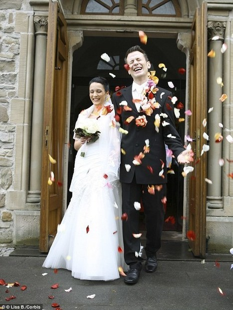 Married couples are happier than singles says new study | ESRC press coverage | Scoop.it