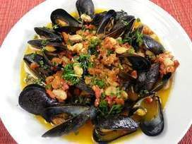 Mussels with White Beans and Chorizo - Providence Eyewitness News | 4-Hour Body Bean Cookbook | Scoop.it