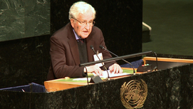 "Chomsky: Greece's Syriza & Spain's Podemos Face ""Savage Response"" Taking on Austerity ""Class War""   Peer2Politics   Scoop.it"