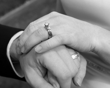 Does marriage really make people happier? Study finds few well-being advantages to marriage over cohabitation | Psychology and Brain News | Scoop.it