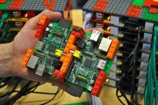 Wanna Build a Supercomputer? You'll Need Legos and Raspberry Pis.   Raspberry Pi   Scoop.it