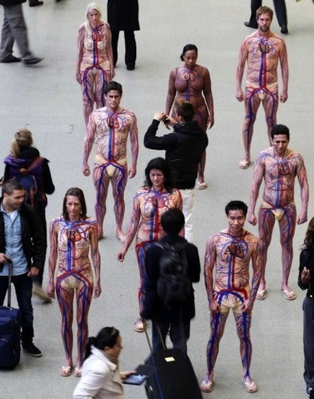 Street-marketing et body-painting pour le Don du sang | Actus de la communication. | Scoop.it