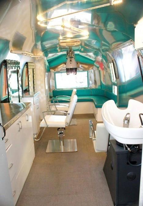 Attendez de découvrir ce en quoi elle a transformé ce vieux camping-car. Non, pas une maison... Bien mieux. | caravaning | Scoop.it