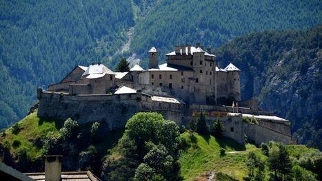 Le fort Queyras, un bijou médiéval du XIIe siècle est à vendre - Le Figaro | Monde médiéval | Scoop.it