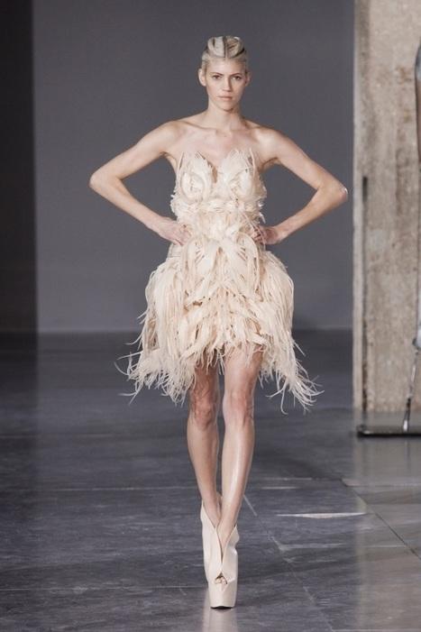 Iris Van Herpen 'Biopiracy' 2014: shrink-wrapped models and 3D printed flexible dress | Digital Design and Manufacturing | Scoop.it