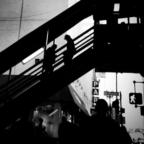 Shooting from the Hip: street photography | an interest in seeing. | Scoop.it