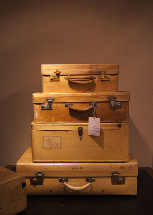 10 Ways to Lighten Your Emotional Baggage | Positive futures | Scoop.it