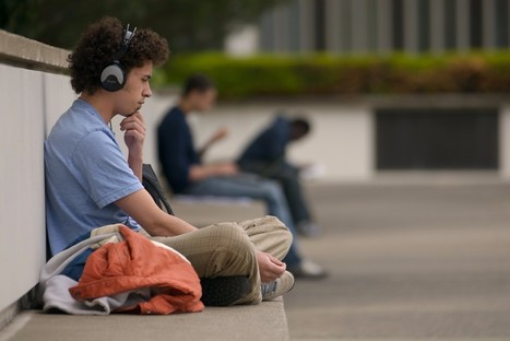 Listen Current: Bringing World-Class Podcasts to the Classroom | Scriveners' Trappings | Scoop.it