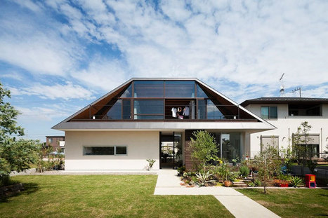 house with a large hipped roof by naoi architecture & design office   +Arquitectura   Scoop.it