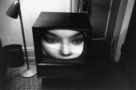 Las pequeñas pantallas // The little screens (by Lee Friedlander,2001)   Photography Now   Scoop.it