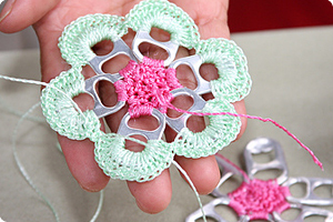 How to Crochet with Pop-Tops | Needle and Hook Patterns-all free | Scoop.it
