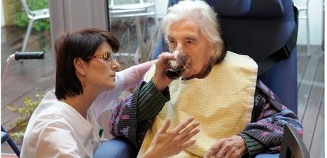 Alzheimer : la méthode Montessori pour rétablir l'autonomie des patients | Veille en Santé et Soins Infirmiers | Scoop.it