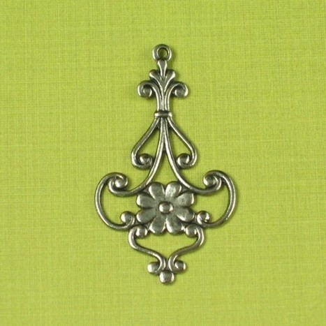 6 Antique Silver Brass Jewelry Findings Pendant 148 | www.infinitelinkz.com | Scoop.it