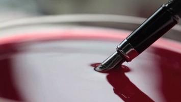 Du vin jusqu'au bout de la plume de vos stylos | IntotheWine.fr | Le meilleur des blogs sur le vin - Un community manager visite le monde du vin. www.jacques-tang.fr | Scoop.it