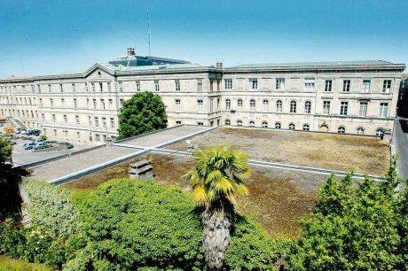 A vendre, hôtel de police, cachet, prix à débattre | Bordeaux : tourisme et art de vivre | Scoop.it