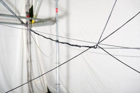 Watch flying machines weave a rope bridge you can walk on | Robohub | machinelike | Scoop.it
