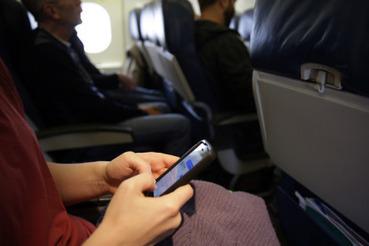 """Při vzletu a přistání už mohou být v EU mobily v režimu """"letadlo"""" - ČeskéNoviny.cz   Evropská unie pozitivně   Scoop.it"""