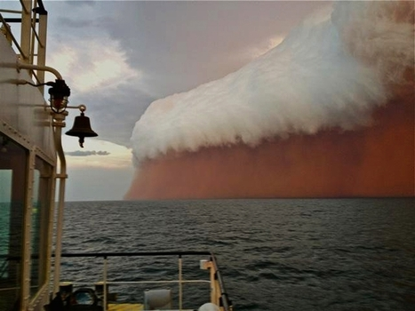 Incredible sight forms when dust storm and rain clouds combine over Indian ocean | The Christian Voice- Articles | Scoop.it