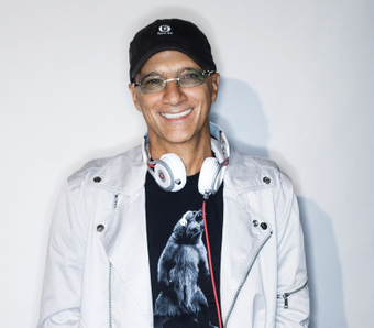 Tim Cook, Eddy Cue met with Beats CEO Jimmy Iovine last month over streaming music service | All things tech, marketing and #SmallBiz | Scoop.it