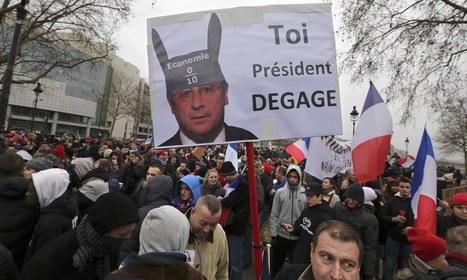 Anti-François Hollande protests in Paris degenerate into violence - The Guardian | Paris France News | Scoop.it