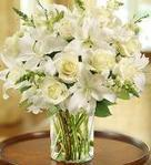Christmas Flowers Arrangements Delivery USA | Christmas Floral Arrangements in basket or Bouquets. | Scoop.it