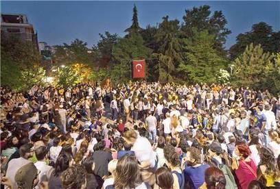 Abbasağa Forumu seçkinci tavra karşı - Radikal Hayat | Her Yer Taksim | Scoop.it