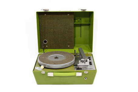 Vintage Chartreuse Portable Record Player in Brail | Antiques & Vintage Collectibles | Scoop.it