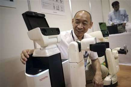 Toyota robot can pick up after people, help the sick | Sustain Our Earth | Scoop.it
