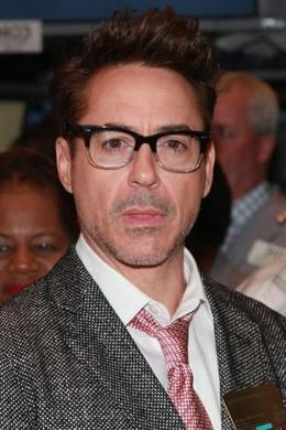 Robert Downey Jr signs 'The Avengers' sequels - Movie Balla | News Daily About Movie Balla | Scoop.it