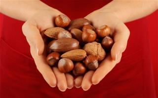 Eating Nuts Can Lower The Rate Of Deaths   heart health news   Scoop.it