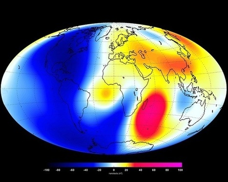 Earth's magnetic field is weakening 10 times faster than originally predicted, swarm satellites show | Amazing Science | Scoop.it