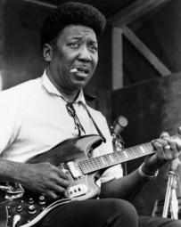 Muddy Waters, 98 años de electricidad y Blues primitivo en Stovall | Blues Curiositats | Scoop.it