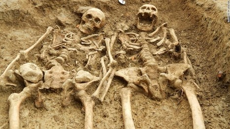 Skeletons found 'holding hands' after 700 years | Vloasis humor | Scoop.it