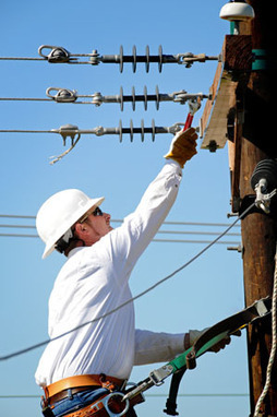 Texas State Technical College Waco | Electrical Lineman - Waco | TSTC Advantage | Line workers | Scoop.it