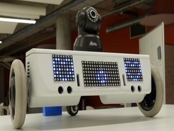 Découvrez Pluggi, robot développé dans le cadre d'un projet M1 à l'Isen Lille par un groupe composé de 7 étudiants | Les Ateliers d'Humanicité | Scoop.it