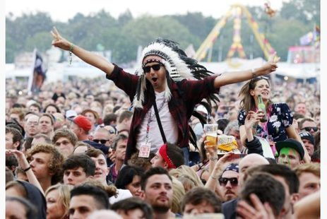 Native headdresses banned as fashion accessories at Quebec music festivals - Toronto Star | Fashion and culture | Scoop.it