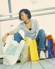 """Digital Divas"" Rule Global Shopping Scene 
