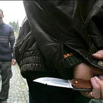 Braine-l'Alleud: deux jeunes rackettés au couteau   Le racket à l'école   Scoop.it