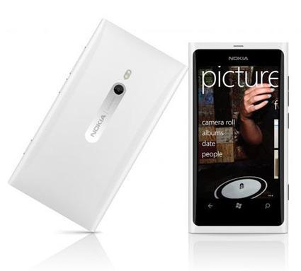 Le Nokia Lumia 800 blanc officiellement annoncé - LesMobiles.com | world of technology | Scoop.it