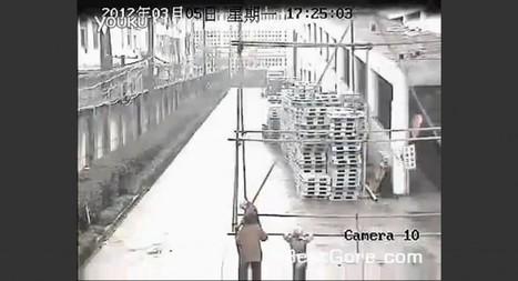 China - Cuatro pintores electrocutados mientras empujan un andamio | Seguridad Ocupacional | Scoop.it