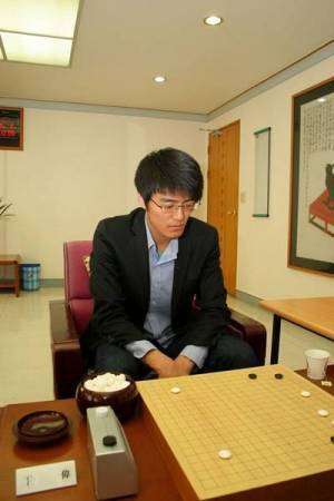 Tale of three Meijins continues – Amateur player wins pro status | Go, Baduk, Weiqi ~ Board Game | Scoop.it